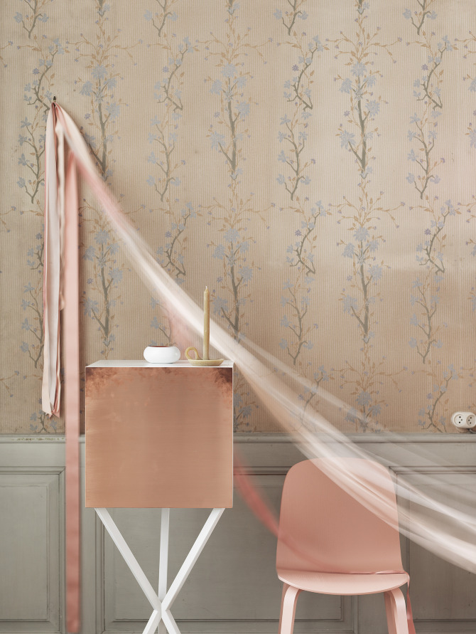 chambre romantique rose poudr 070909 la. Black Bedroom Furniture Sets. Home Design Ideas